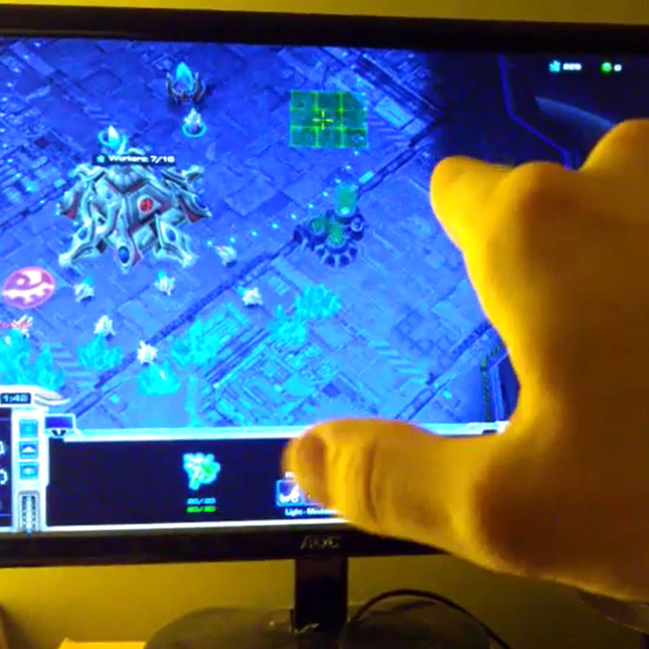 Leap-Enabled Starcraft 2